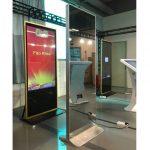 Digital-Signage-Display-Magic-Mirror